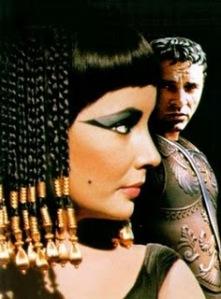 Coafura Cleopatra. Cum sa o realizezi 2653705480_456e48078c_o